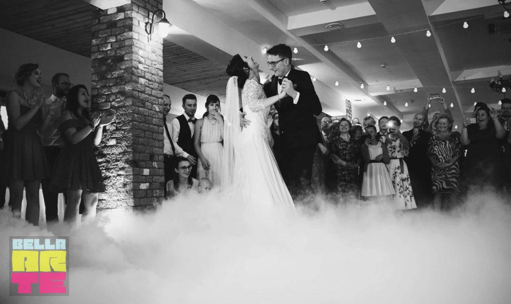Ciężki dym na wesele i pierwszy taniec