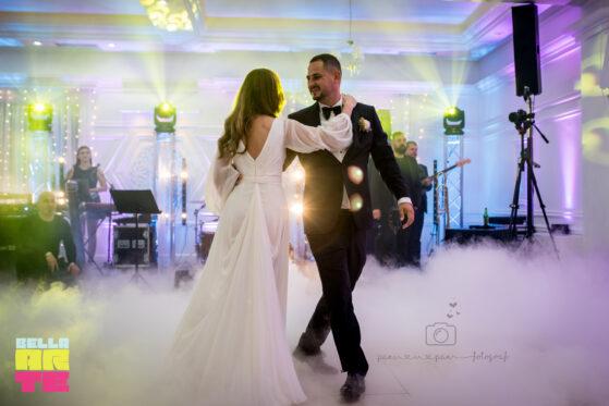 Ciężki dym na pierwszy taniec