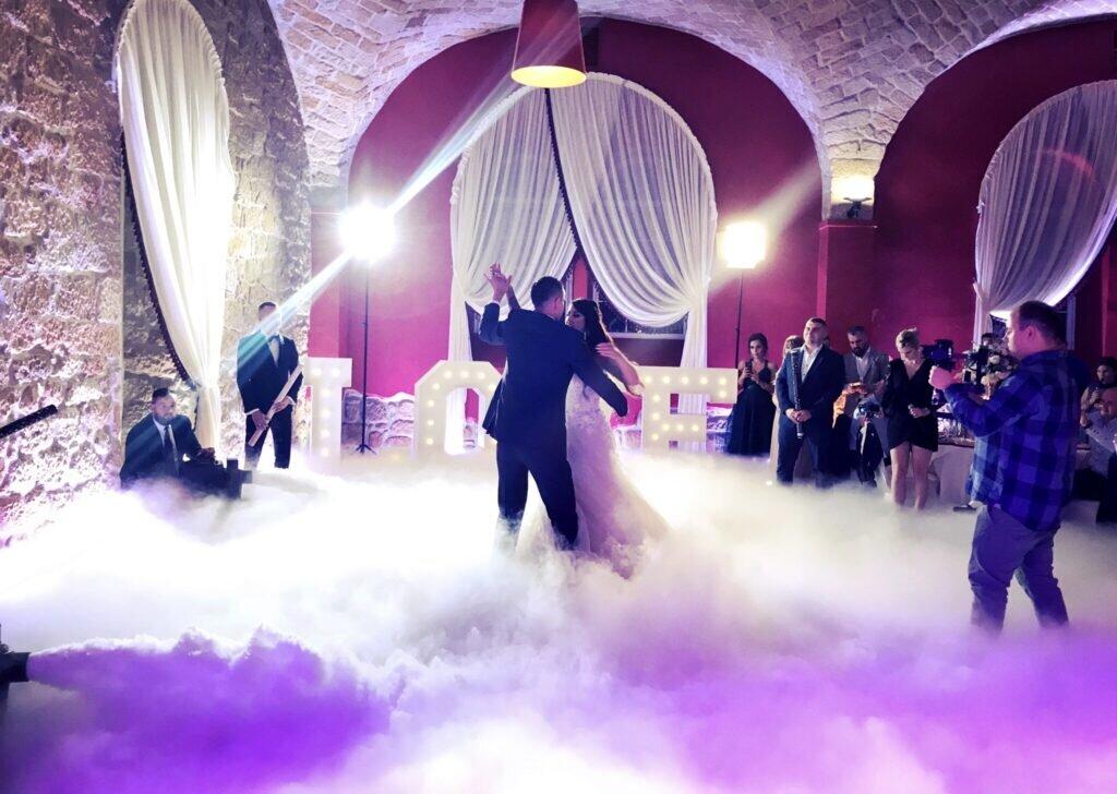Ciężki dym na wesele