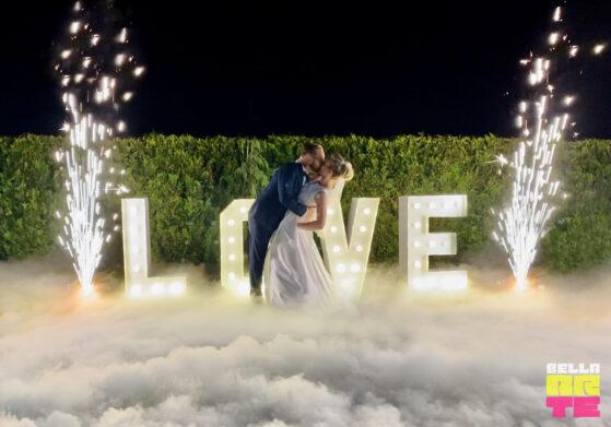 Napis Love + Ciężki dym dym +fontanny iskier - Podgórzyn